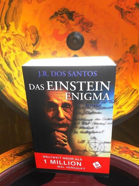 Das Einstein Enigma ist ein Weltbestseller von J.R. Dos Santos