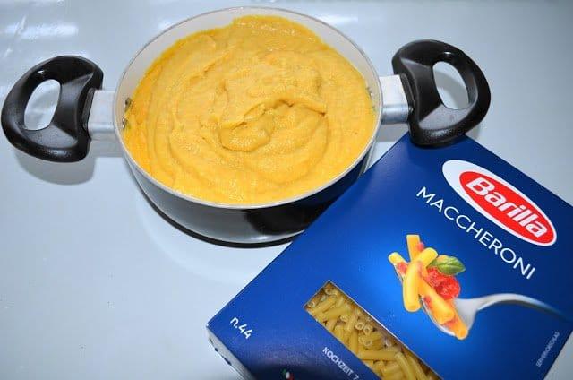 Leckeres veganes Mac and Cheese ist einfach zuzubereiten