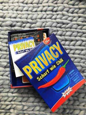 Der Blog Label Love zeigt die Barbara Box mit Privacy Gesellschaftsspiel