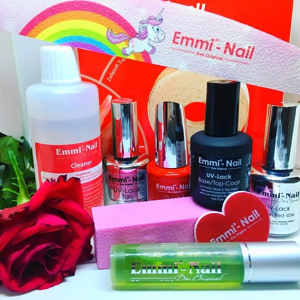 Emmi Nails tolle Nailart auf Label Love