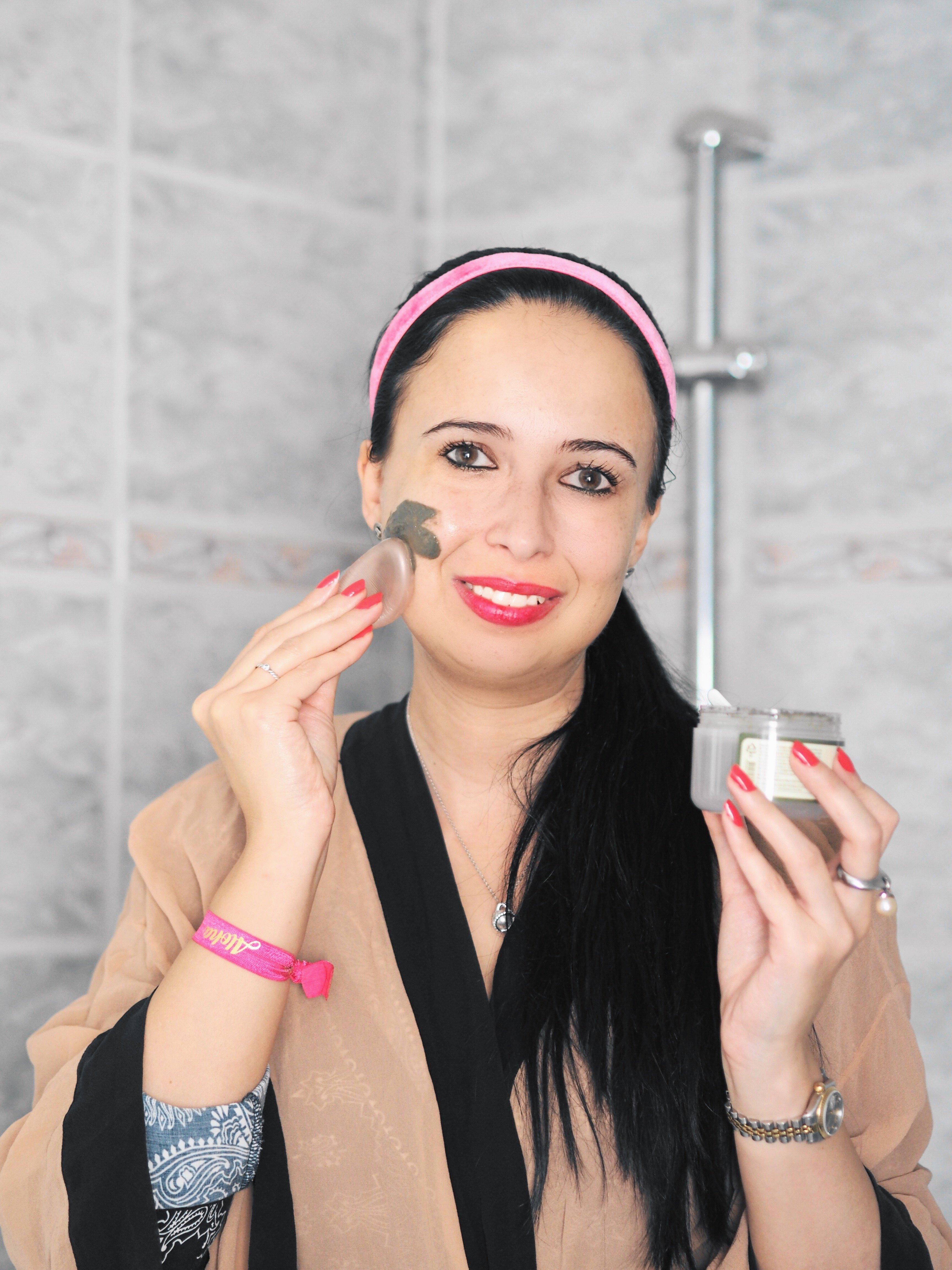 Heute zeige ich euch meine Hautpflege-Routine mit Produkten von nu:ju, Weyergans, Dr. Severin, Silisponge und der Carbonated Bubble Clay Mask auf meinem Blog