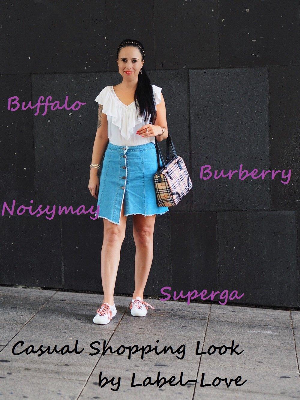 Heute zeige ich euch auf dem Blog ein Casual Shopping Look mit Noisymay Jeansrock, Buffalo Rüschenshirt, Burberry Handtasche und niedlichen Superga Sneakern