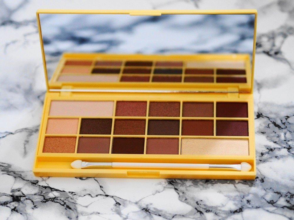 Heute stelle ich euch die gehypten Chocolate Bar Paletten von I Heart Makeup die ich bei Kosmetik4less gekauft habe näher vor und kreiere so ein Auge Makeup
