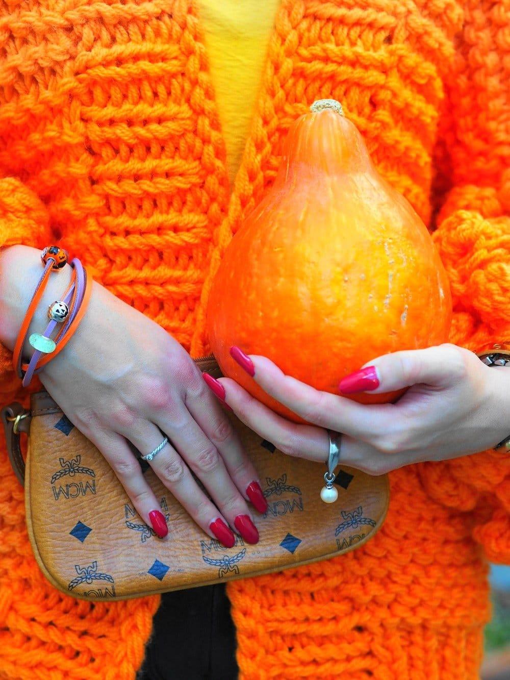 Heute zeige ich euch auf meinem Blog ein OOTD mit DIY Chunky Knit Cardigan von Supertanya und erzähle euch ein wenig über die Geschichte des Strickens