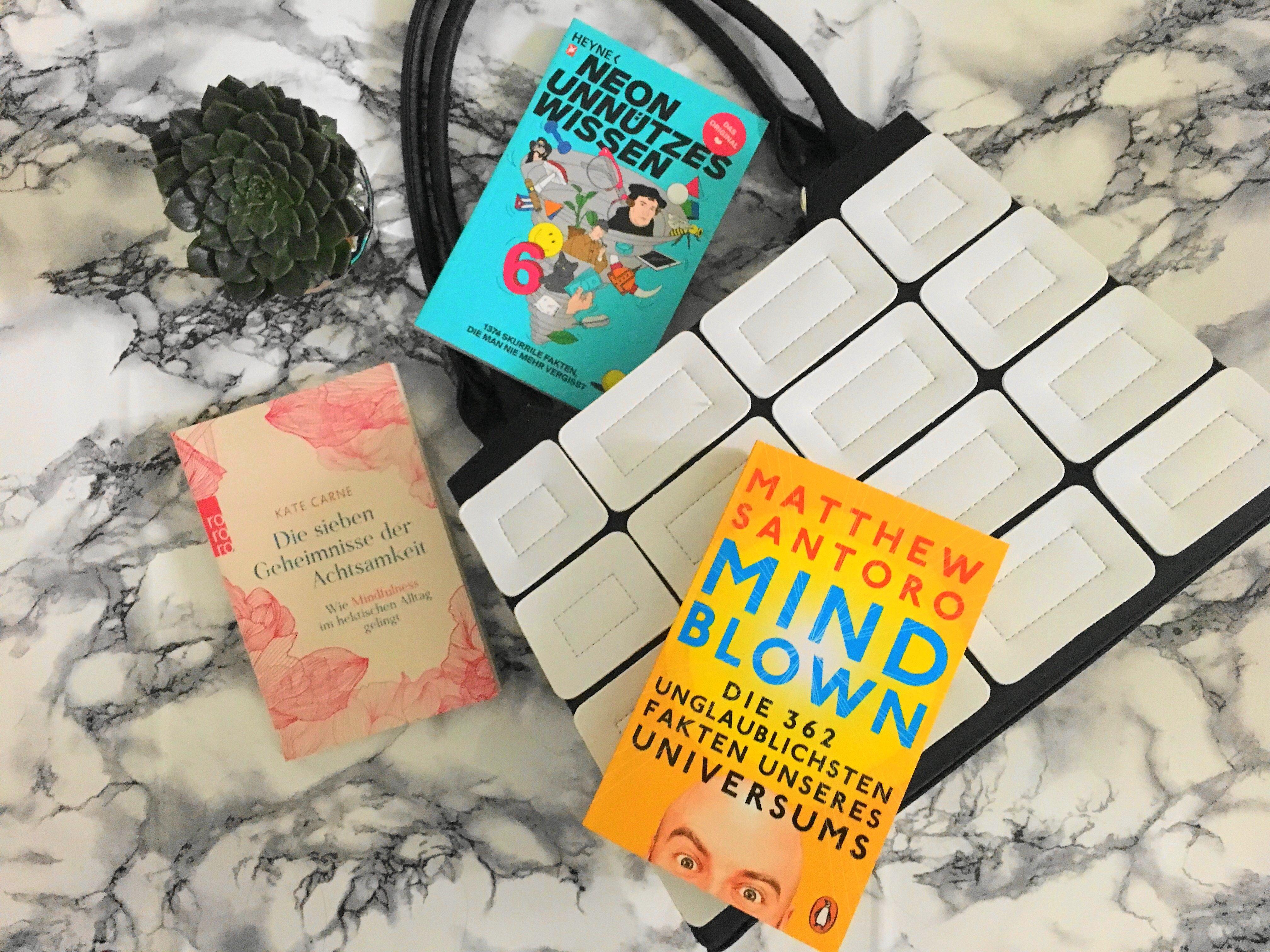 Heute stelle ich euch drei der top Wissensbücher für die Handtasche und unterwegs zur Erlangung von Wissen im Handumdrehen etwas näher als Rezensionen vor