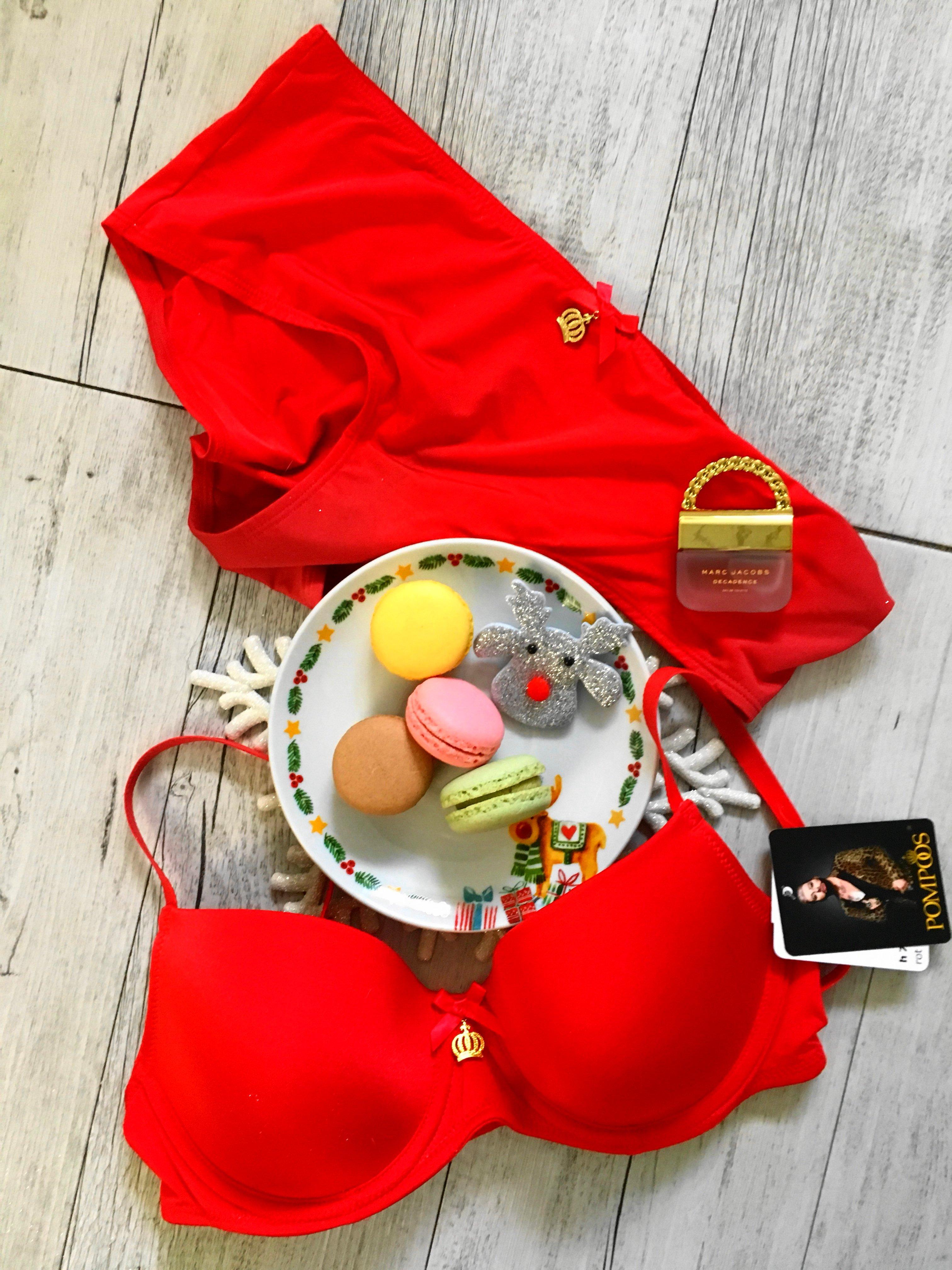 Heute zeige ich euch auf meinem Blog ein bezauberndes rotes Set aus der aktuellen Pompöös Dessous By Susa Kollektion und erzähle euch etwas über einen beliebten Silvesterbrauch