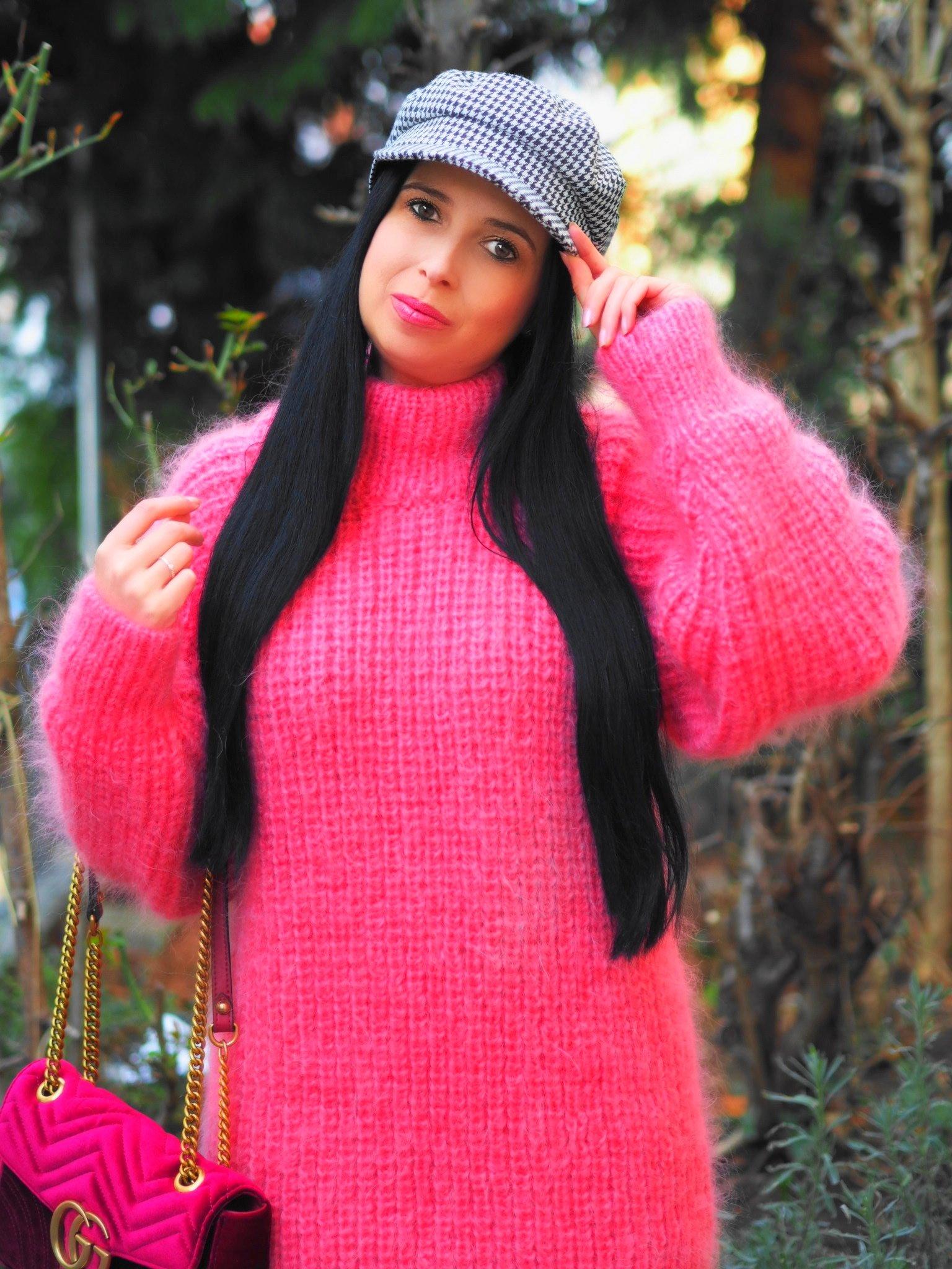 Heute zeige ich dir auf meinem Blog einen wunderschönen rosa Mohair Pullover von SuperTanya und erzähle alles über die Eigenschaften der luxuriösen Wolle