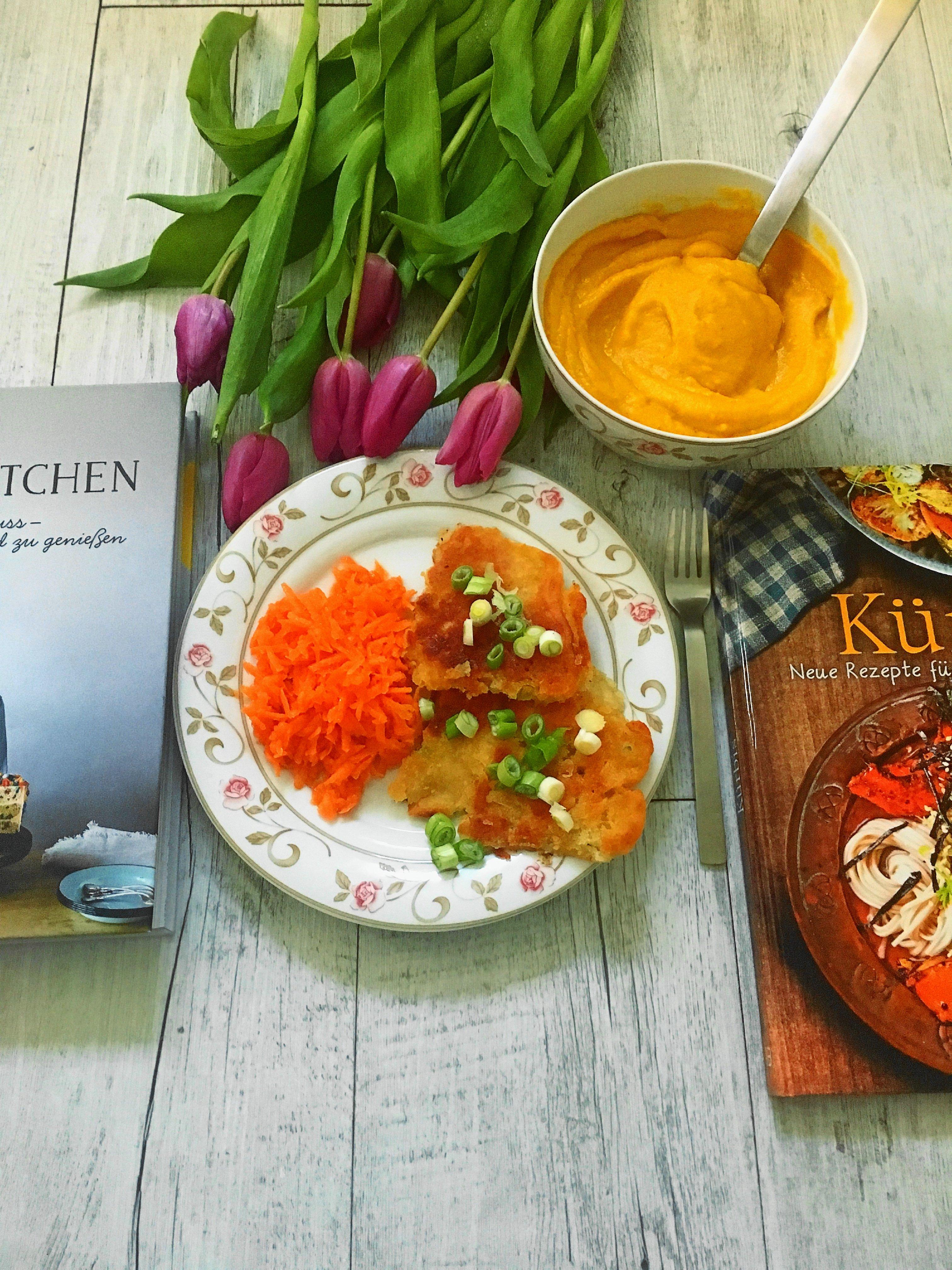 Heute gebe ich euch auf dem Blog zwei tolle Kochbuch-Tipps, koche zwei vegane Rezepte und stelle das Kochbuch Kürbis und Molly`s Kitchen von Molly Yeh vor