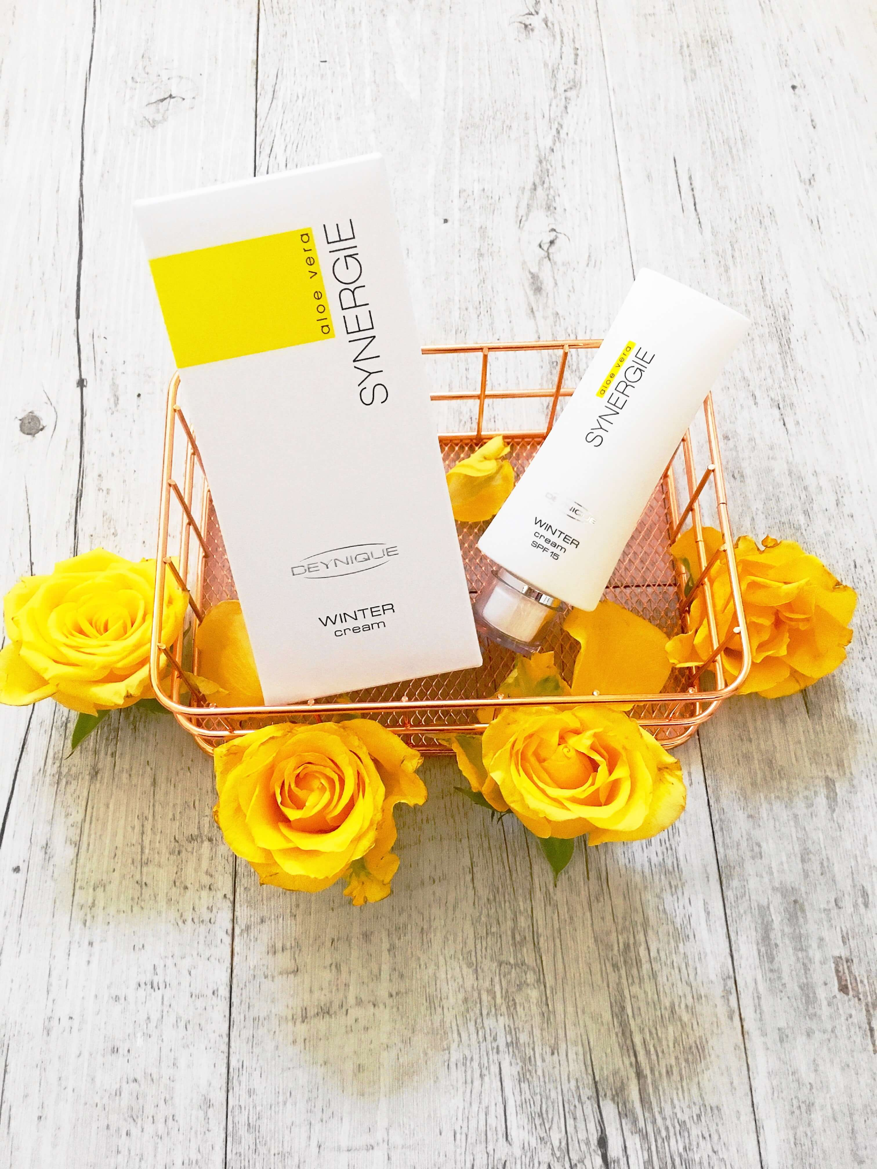 Heute stelle ich euch auf meinem Blog die wunderbare Aloe Vera SYNERGIE Winter Cream von Denique Cosmetics gegen trockene Winterhaut mit Details näher vor