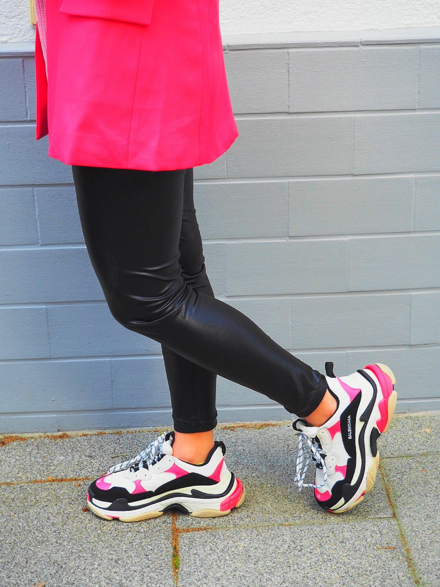 Heute zeige ich euch auf dem Blog den aktuellen Athleisure Trend mit meinen Balenciaga Tripe S Sneaker und erzähle euch ein wenig über coole ugly Sneaker