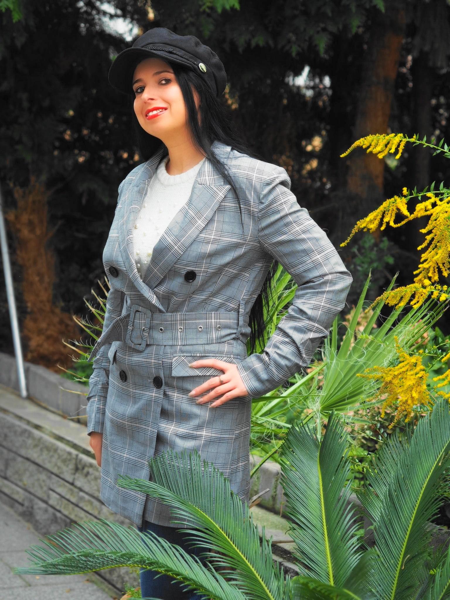 Beim Onlineshopping habe ich coole Herbst-Looks von NA-KD gefunden, wie bspw. der kultige Checkered Blazer von Dilara x NAKD oder einen Faux Fur Leo Mantel