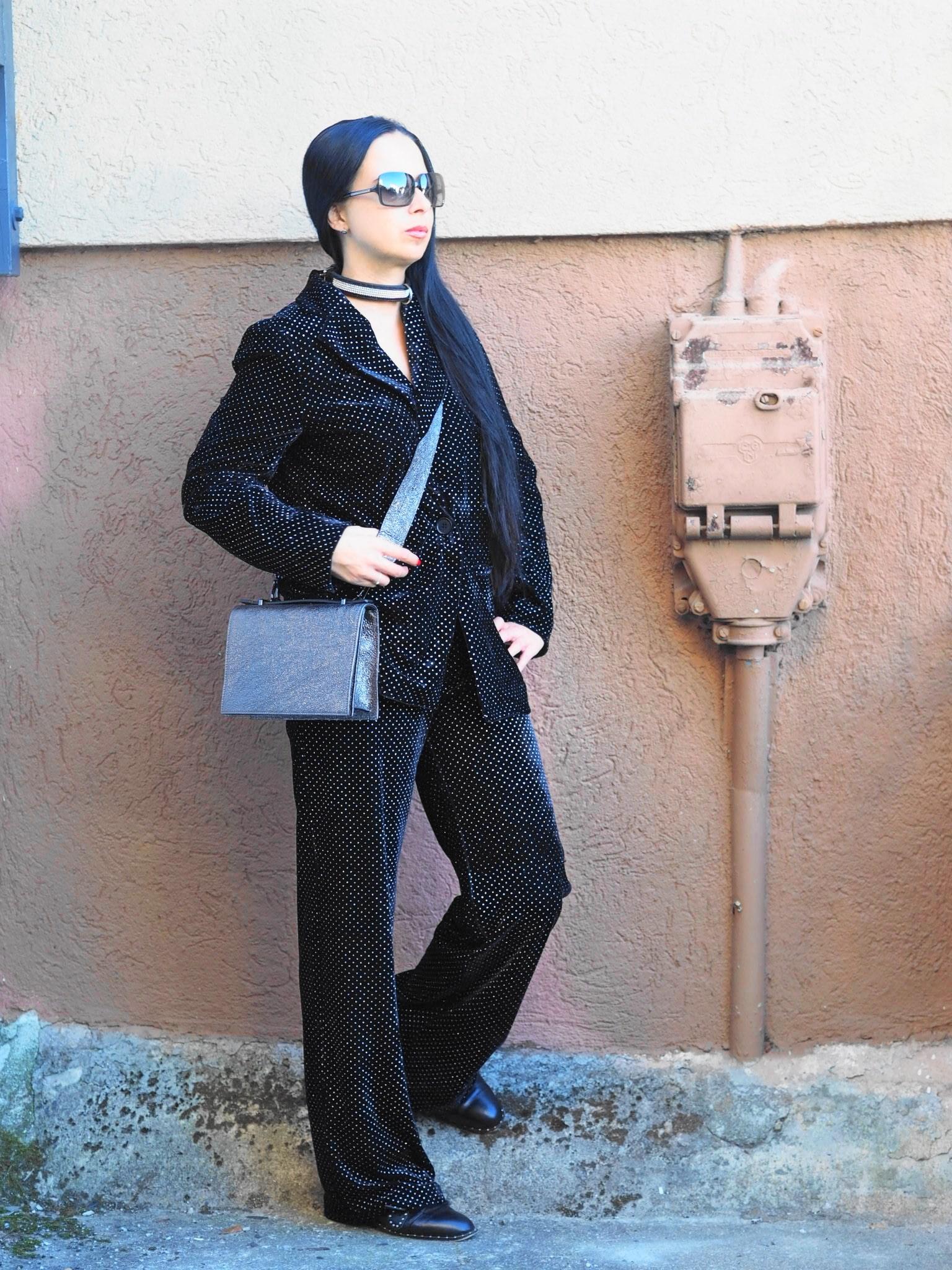 """Heute zeige ich euch coole Fashion Statements mit Hosenanzügen. Mit meinem NA-KD Coupon """"labellove15"""" könnt ihr satte 15% auf euren Einkauf bei NA-KD sparen"""