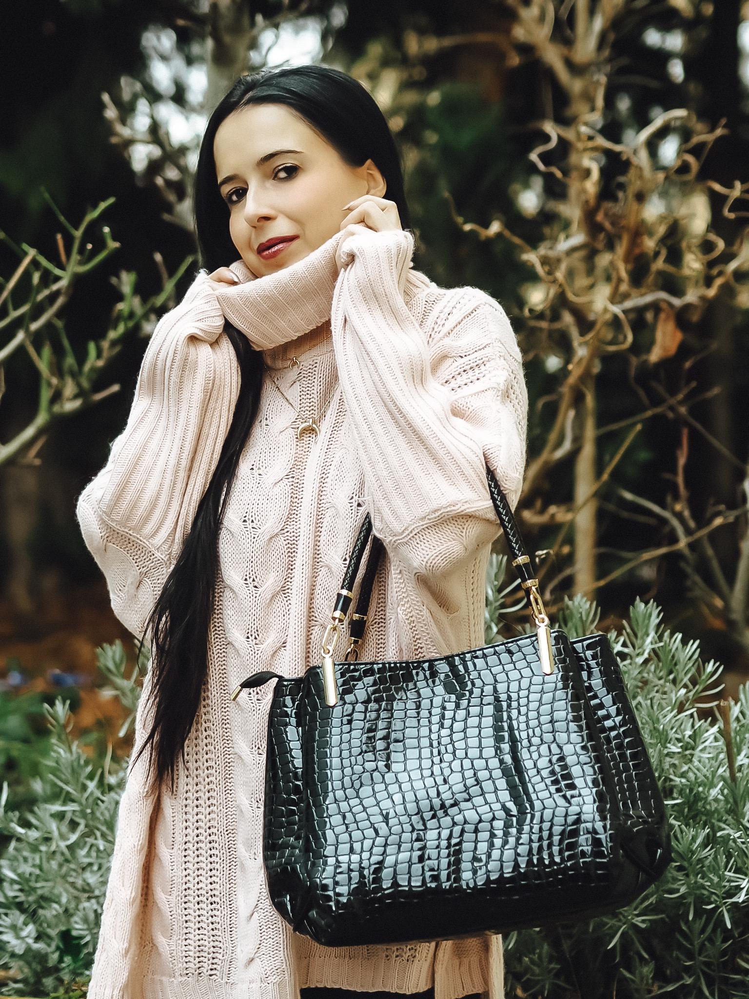 Femmeluxefinery bietet euch stylische Mode zu erschwinglichen Preisen. Heute zeige ich euch meine Top 5 - Pullover des kultigen Fashion Labels auf dem Blog.