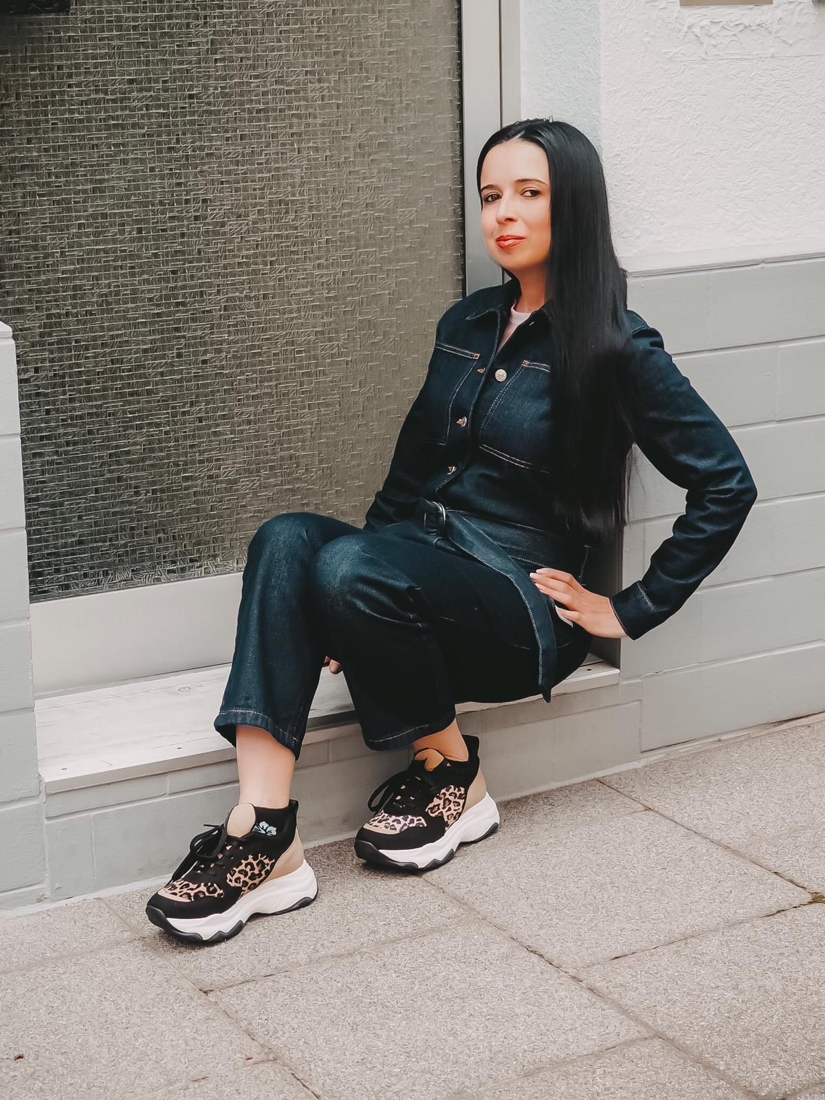 Seit der Gründung im Jahre 2015 in Schweden begeistert NA-KD die internationale Modewelt: Heute zeige ich drei NA-KD Looks auf dem Fashion Blog mit Video.