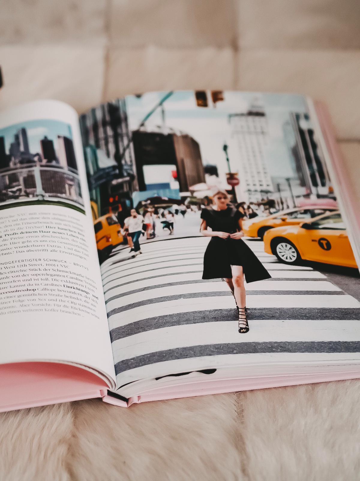 """Heute zeige ich auf dem Blog Bücher für Fashion Blogger """"Outfit of the Day-Fashion-Styles für jede Stimmung"""" und der prächtige Bildband """"Vogue - Schmuck""""."""