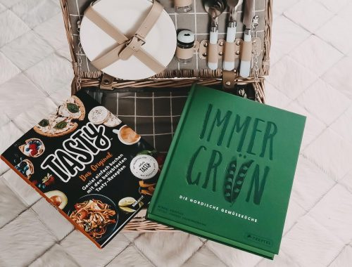 Heute zeige ich euch meine aktuellen Lieblingskochbücher ausführlich : Fast Food mit Tasty und Slow Food mit Immergrün von Mikkel Karstad auf meinem Blog.