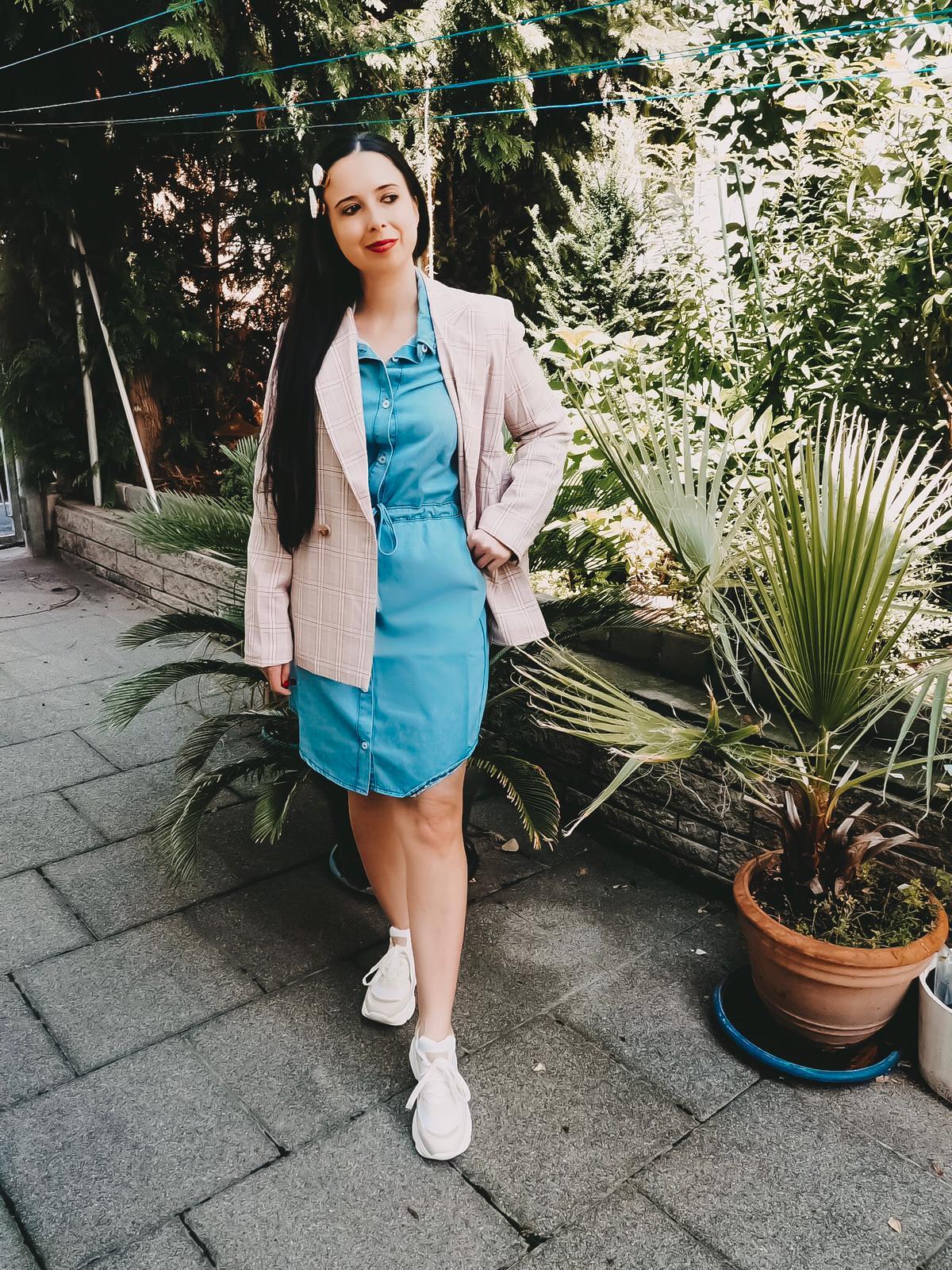 Eine tolle Auswahl bequeme Jeanskleider findet ihr bei Peek und Cloppenburg. Heute zeige ich euch mein Kleid auf der Fashion Kategorie vom Blog.