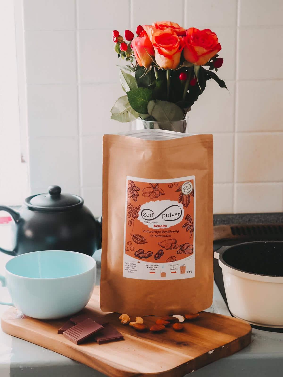 Mit Zeitpulver könnt ihr in Sekundenschnelle eine gesunde, sättigende pflanzliche Mahlzeit zubereiten. Heute zeige ich euch auf dem Blog zwei top Rezepte.
