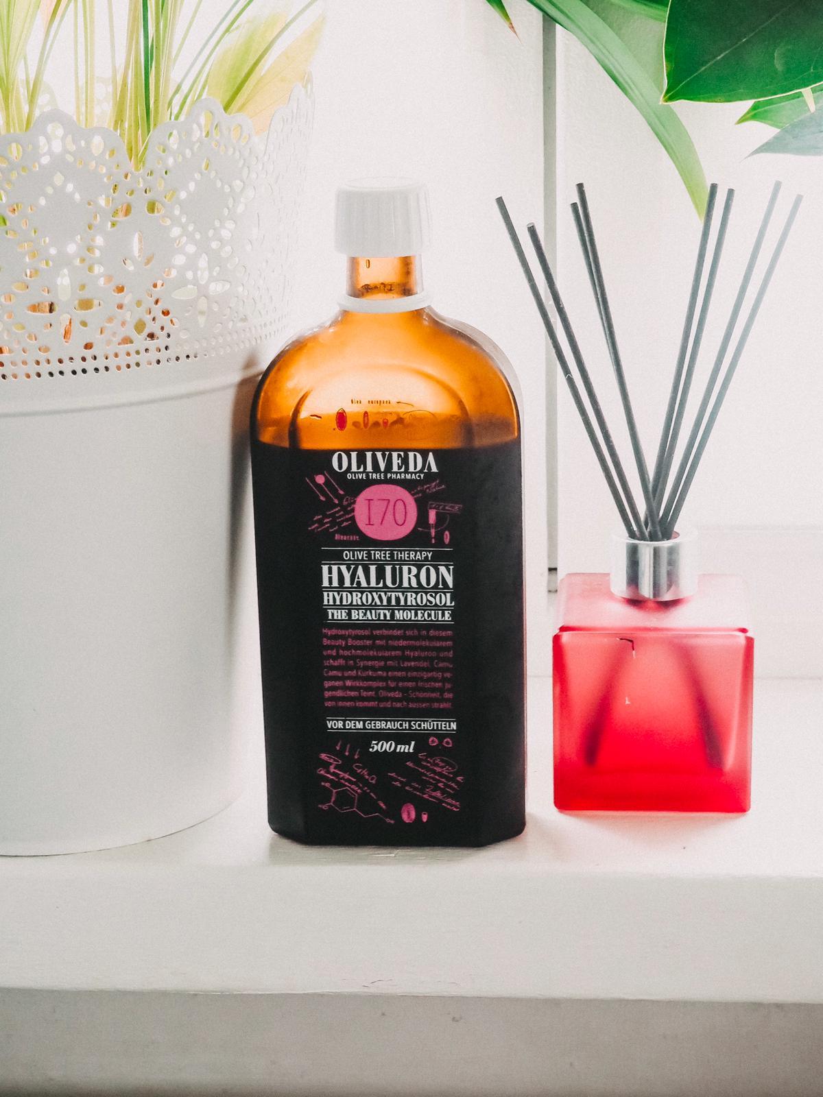 170 The Beauty Molecule von Oliveda ist ein top Beauty Drink mit Hyaluron, der Dank seiner Inhaltsstoffe Falten und schlaffer Haut von innen entgegenwirkt.