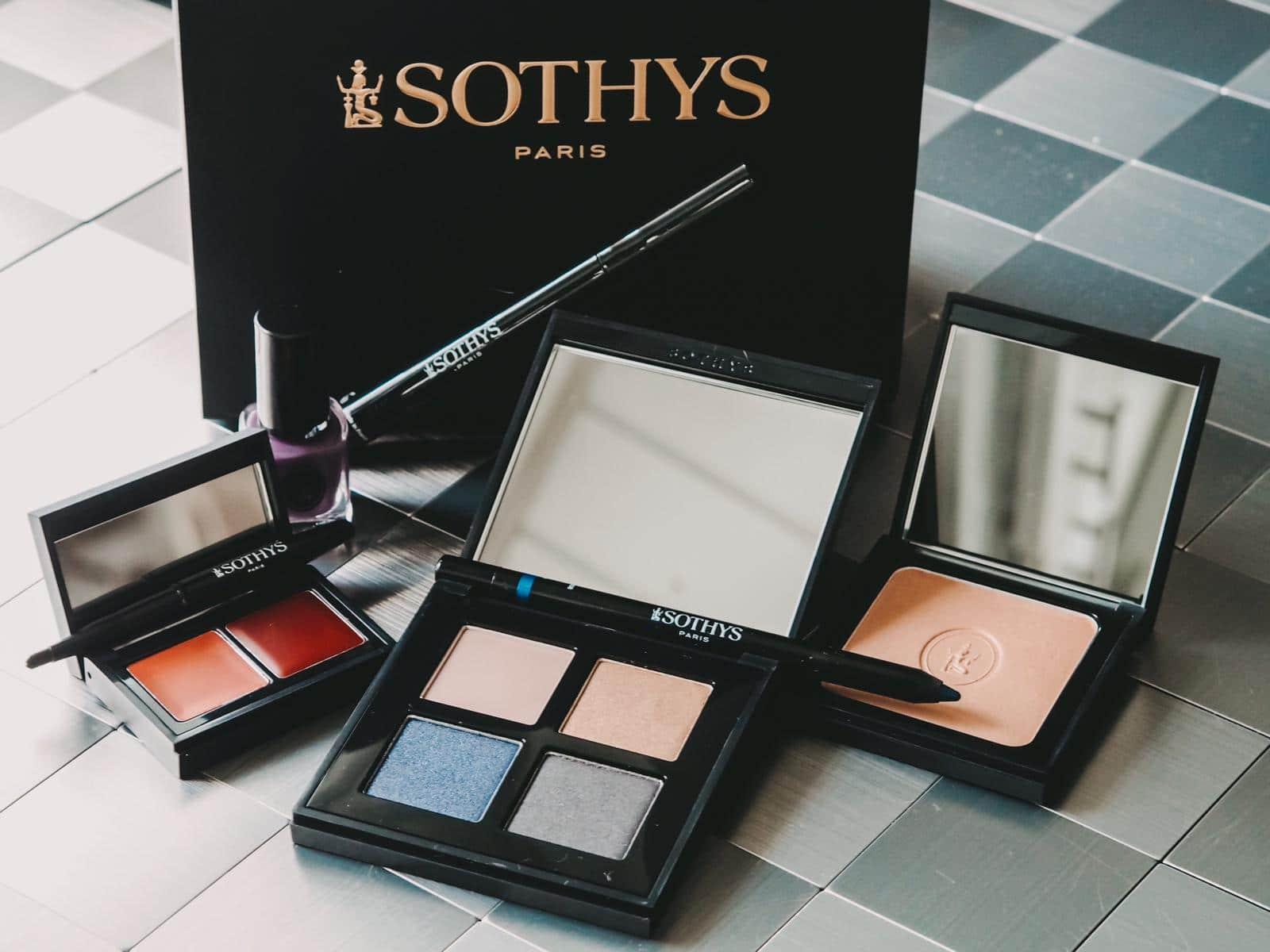 Mit der neuen SothysBleu envoutant Kollektionsetzt die hochwertige Marke aus Parisim Herbst und Winter auf das magische Spiel von Licht und Schatten.