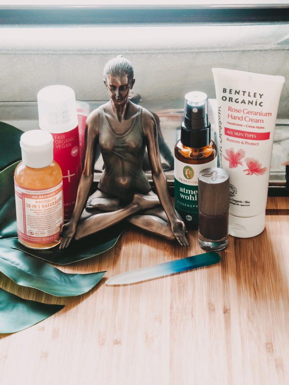 Die aktuelle Fairybox Oktober 2019 enthält eine tolle Kombination von Produkten für den Herbst. Heute zeige ich die aktuelle vegane Box auf dem Beauty Blog.
