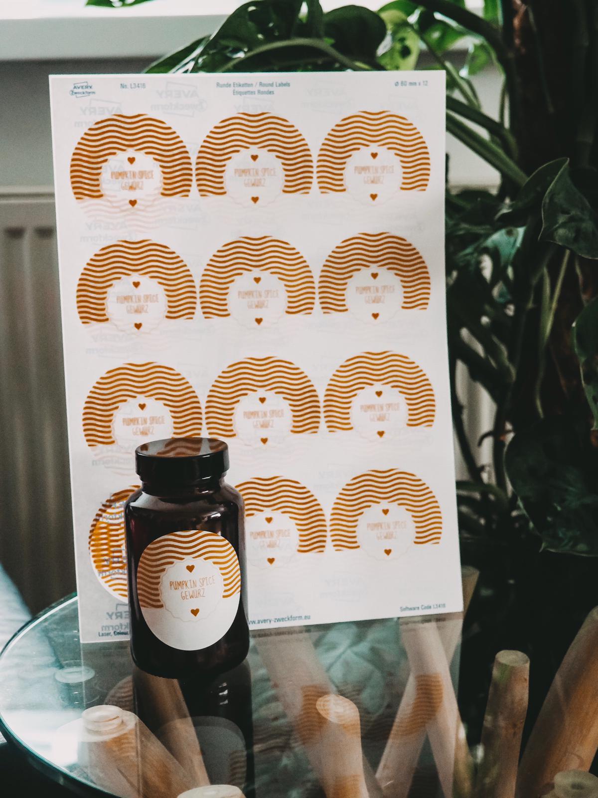 Mit den tollen und praktischen Etiketten von Avery Zweckform könnt ihr eure Ordner Selbstgemachtes und vieles mehr ansprechend designen. Mehr auf dem Blog !