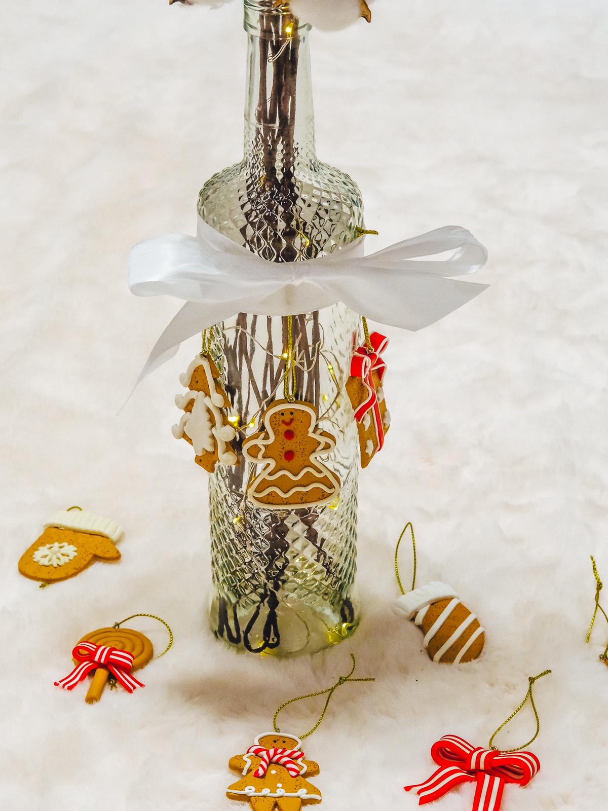 Die DIY Schneezauber Leuchtflasche sieht so niedlich aus.