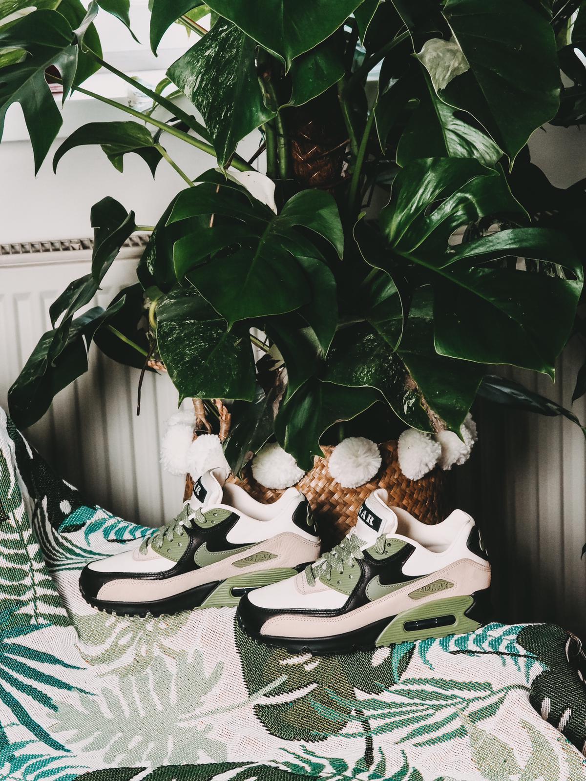 Perfektion eines Sneaker - der Nike Air Max 90 NRG Lahar Escape !
