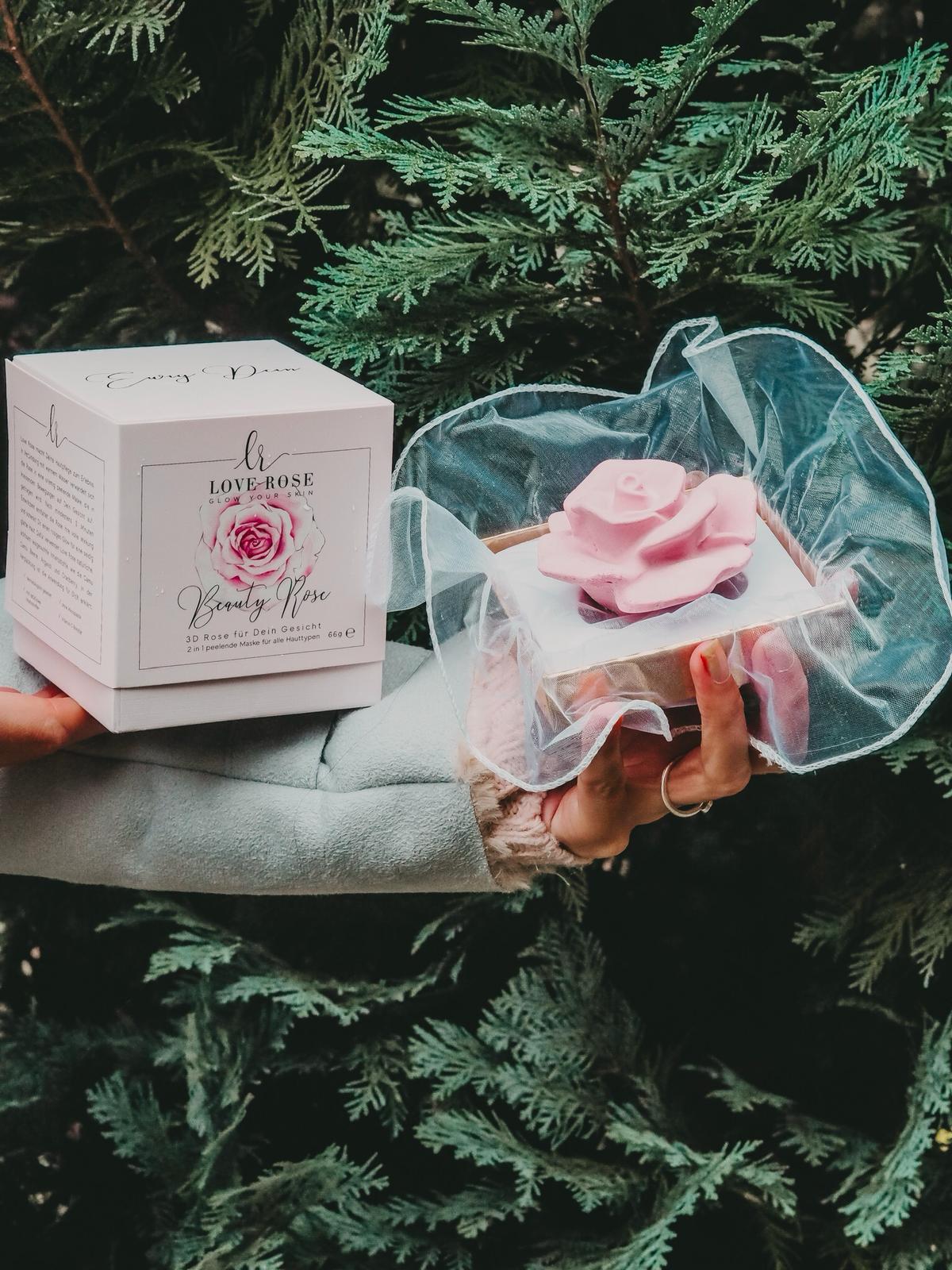 Wunderschönes Design und tolle Produkte von Love Rose Cosmetics.