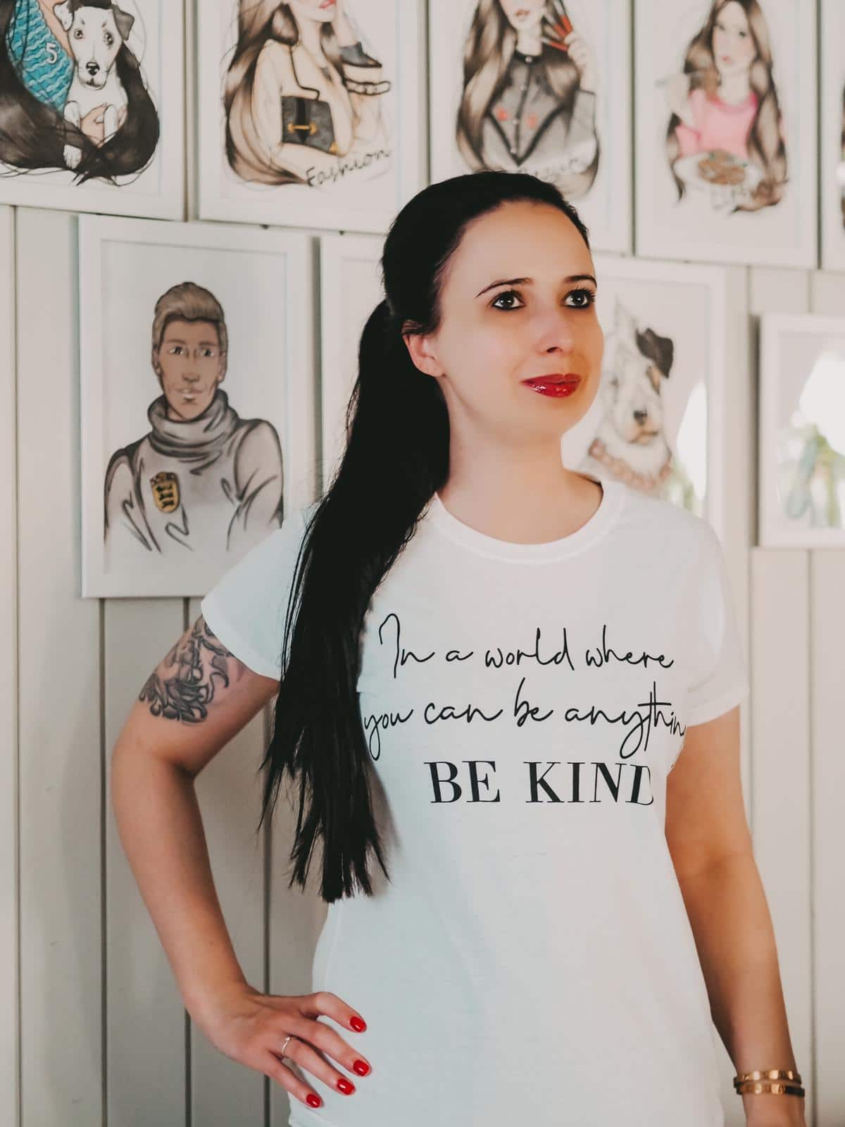 T Shirt mit tranigem Aufdruck von Femmeluxefinery