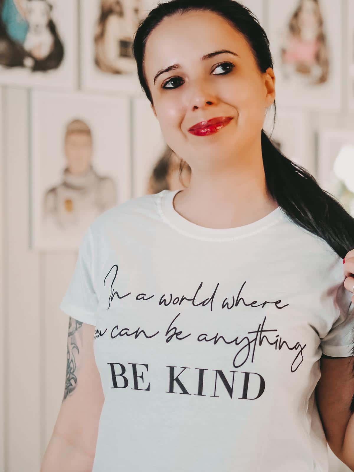 Lieblingsteile von Femmeluxefinery - weißes Shirt