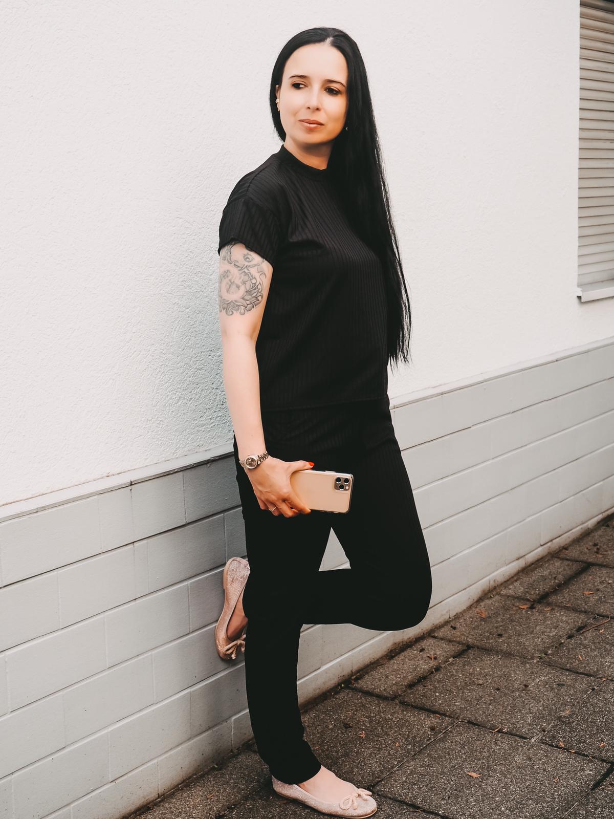 Jogger von Femmeluxefinery in schwarz