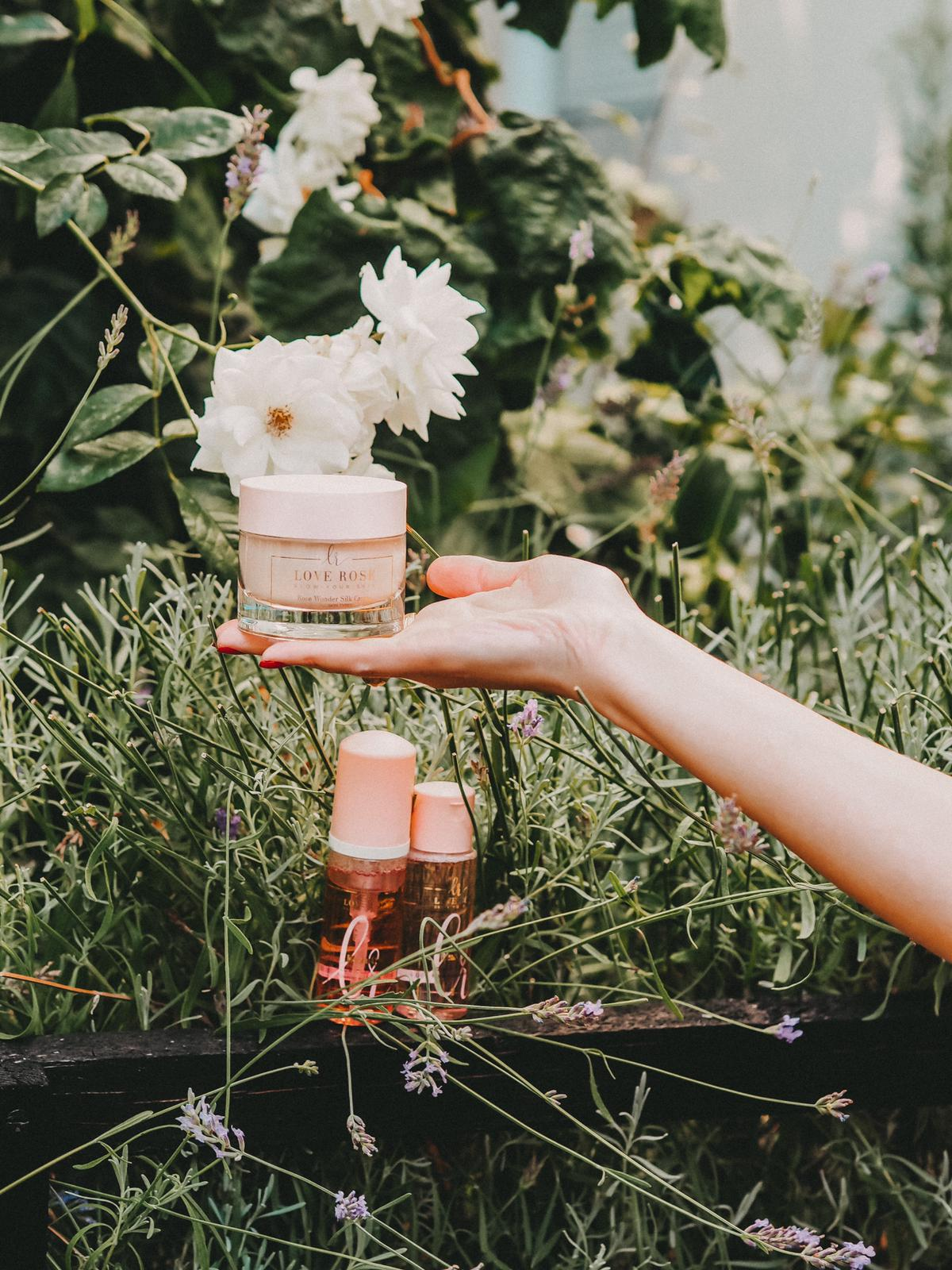 Ich liebe die Produkte von Love Rose Cosmetics